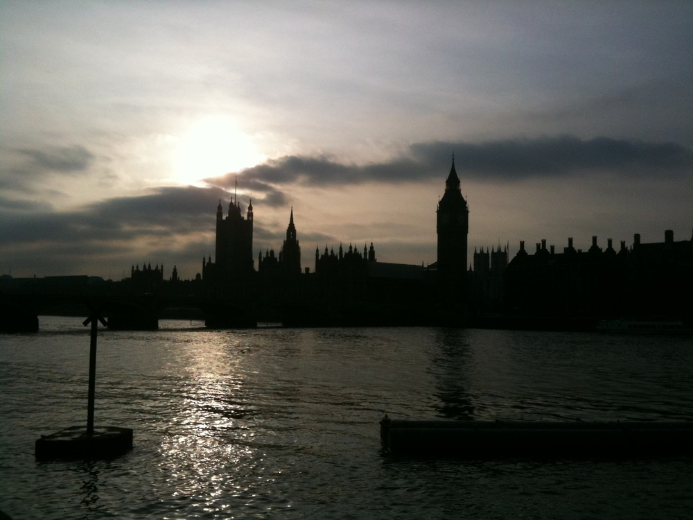 Some photos from a walk along the Thames